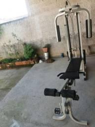 Estação de musculação 1599