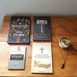 Livros e revistas variados