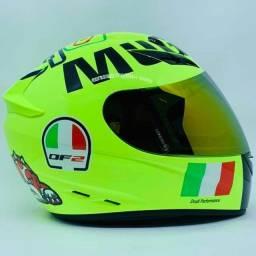 capacetes novos