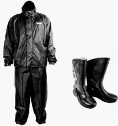 Capa de chuva e bota impermeável