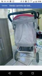 Carrinho de bebê e o bebê conforto
