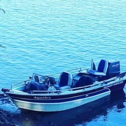 Lancha motorboat