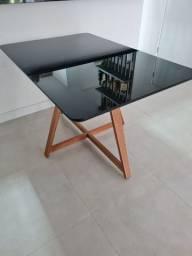 Mesa de jantar 4 lugares em madeira e vidro black