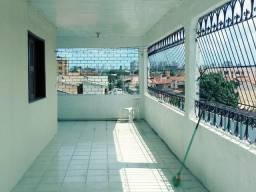 Casa 216 m2 04 quartos 03 banheiros varandado