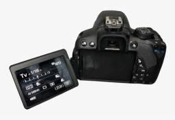 Câmera cânon T5i semi nova impecável.