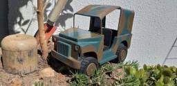 Artesanato Jeep de Madeira