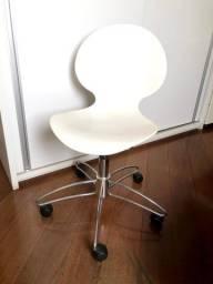 Cadeira de Rodinha Branca
