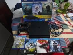PS4 Slim 1TB + 4 Jogos