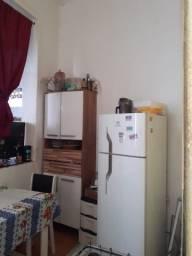 Alugo apartamento no centro no rio de Janeiro 2 quartos. 1.150 reais.