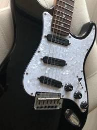 Guitarra Fender Stratocaster + Case + Caixa