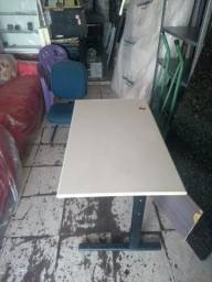 Birô, Cadeira, Centro