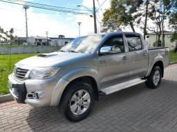 Toyota Hilux Sr automático completo - 2015
