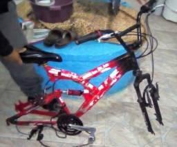 Quadro completinho, só falta as rodas pra completar a bike