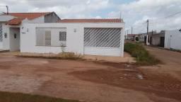 Linda casa estilo colônial com varandão picina vendo