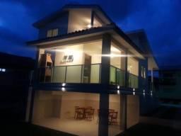 Casa de Condomínio com 3 Quartos à Venda, 180 m² por R$ 600.000