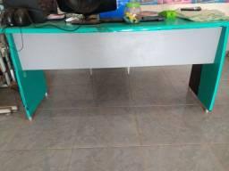 Mesa/balcão para escritório