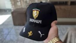 Cap Ferrari Black apenas 39,90