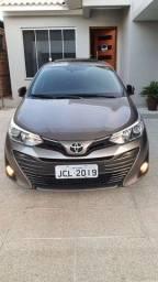 Yaris Sedã XLS Toyota