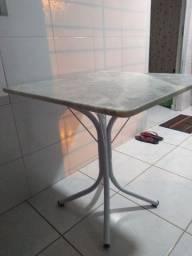 Vendo mesa de mármore para 4 cadeiras