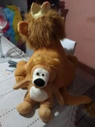2 leões de pelúcia