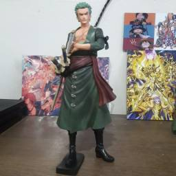 Action figure zoro do anime one piece
