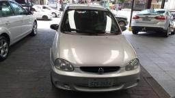 Corsa Sedan 1.0 à gasolina ano 2003 por 12.500,00 tel Whatsapp * Júlio