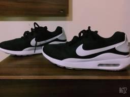 Tênis Nike NovO!!
