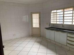 Casa de 3 quartos para locação, 215m2