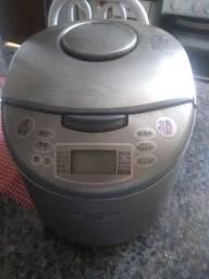 Vendo panela elétrica japonesa usada ganhei mas não sei idioma