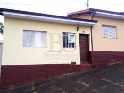 Casa para alugar com 2 dormitórios em Centro, Pocos de caldas cod:L3899