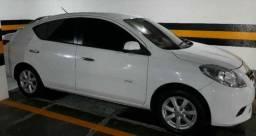Vendo Nissan VERSA SL 1.6 COMPLETO 12/13 baixa km 51mil
