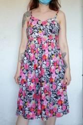 Vestido caveiras lindo! tamanho P