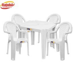 R$ 149,90 Kit Mesa PVC Com 4 Cadeiras Bistro SolPlast