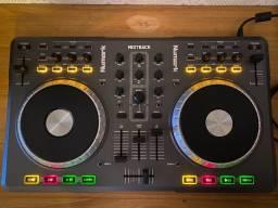 Numark Mixtrack Pro Controladora DJ