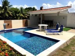 Locação - Casa completa em condôminio com piscina e churrasqueira (Praia Bela)