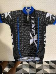 Vendo camisa ciclismo nova (p)
