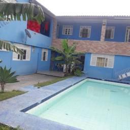 10 apartamentos com piscina