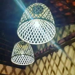 Luminária lustre pendente de bambú