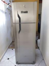 Refrigerador frost free eletrolux
