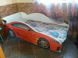 Linda cama infantil dos carros