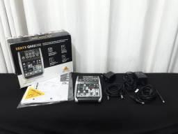 Mesa de som com Interface de Áudio Behringer Xenyx Q502 USB