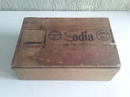 Antiga Caixa de Madeira