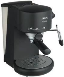 Vendo Cafeteira expresso e capuccino Krups 880