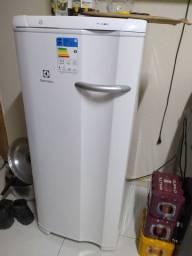 Freezer Electrolux fe18, 15 dias de comprado