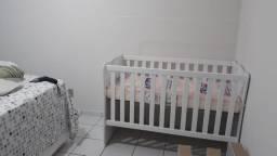 Berço Regulável Branco com colchão e mosquiteiro