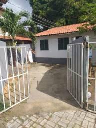Alugo Maravilhosa Casa no bairro Sabiaguaba proximo a Indaia-Minalba