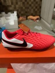 Chuteira Nike Tiempo Legend 8 Academy Campo