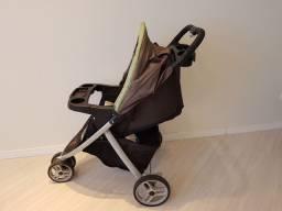 Carrinho de bebê GRACO com bebê conforto e base para Carro.