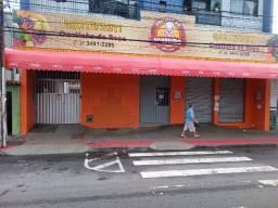 Aluga-se loja comercial com 220m² na avenida principal do bairro de fátima serra es