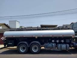 Vendo tanque de 15.000 com bomba é equipamento s